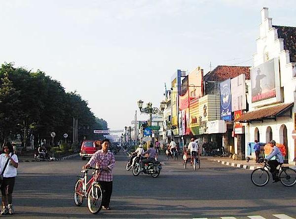 Yogyakarta 7 600x444 Sewa Mobil Dekat Malioboro Jogja rental mobil yogyakarta, sewa mobil yogyakarta