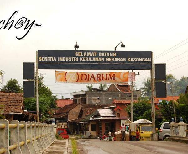 Sentra Kerajinan Grabah Kasongan Yogyakarta