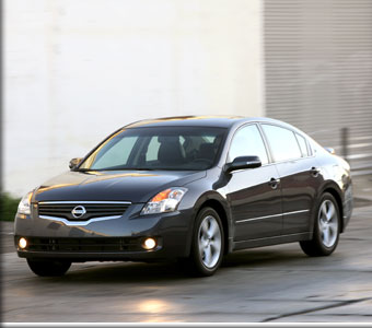 Mobil nissan altima