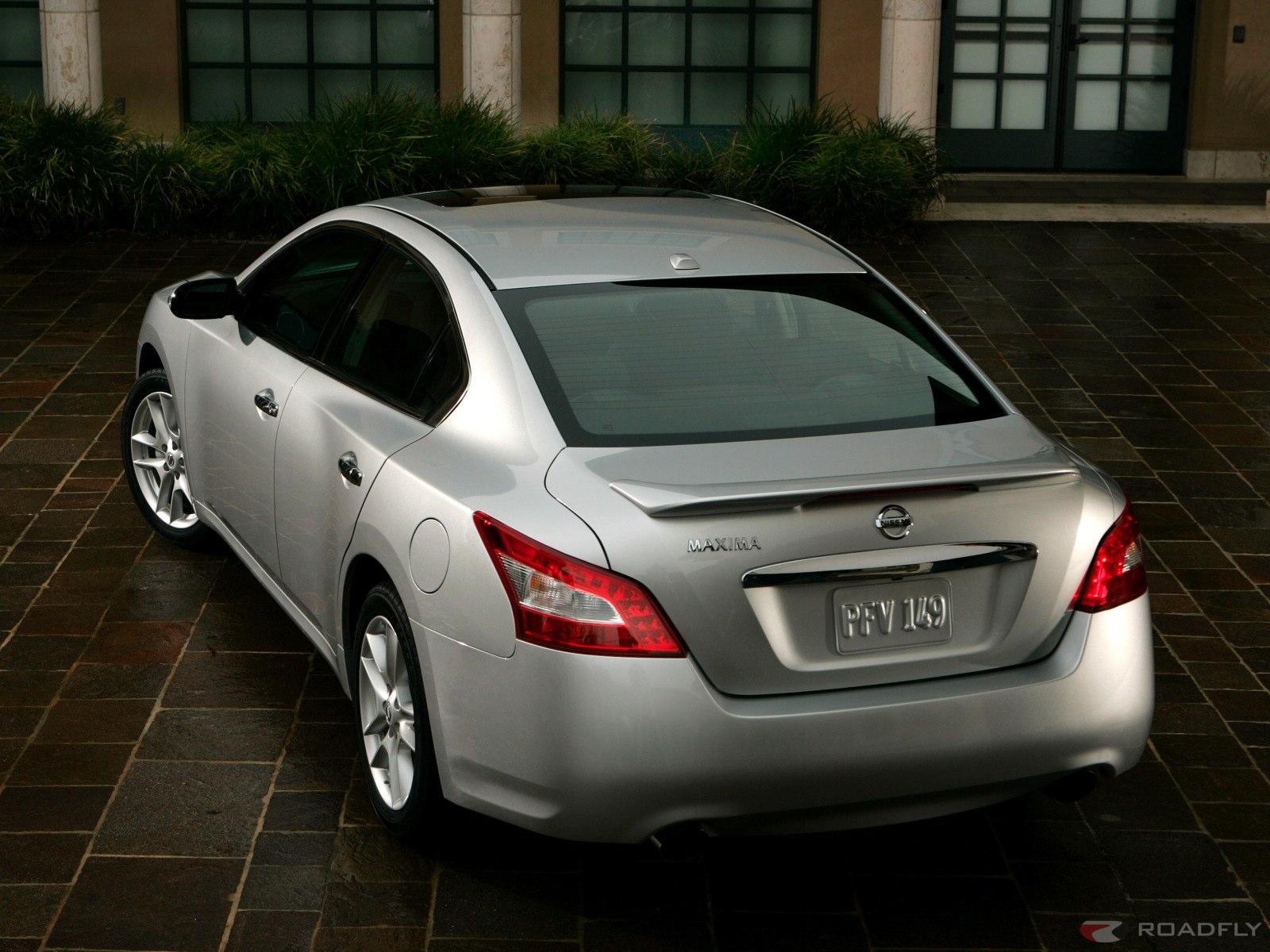 Mobil Nissan maxima