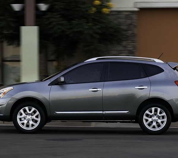 2012 Nissan Rogue Side View