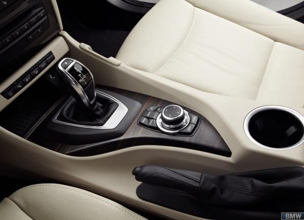 BMW X1 2013 interiror rental mobil yogyakarta