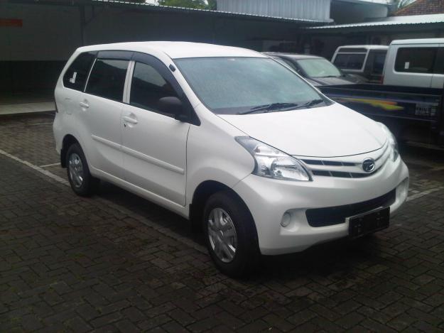 Daihatsu All New Xenia jasa sewa mobil Yogyakarta murah