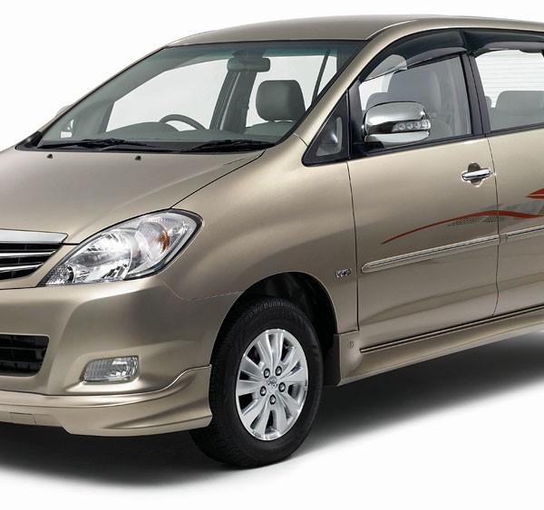 Toyota Innova JASA SEWA MOBIL JOGJA MURAH