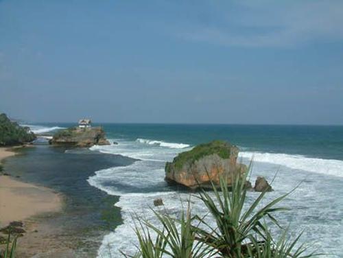 Pantai Kukup Yogyakarta sewa mobil jogja