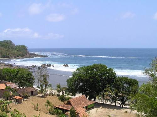 Pantai Wediombo sewa mobil yogyakarta