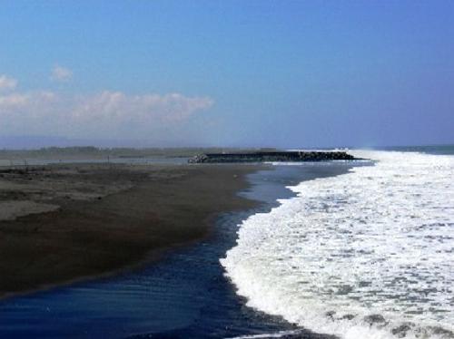 Pantai Trisik rental mobil yogyakarta