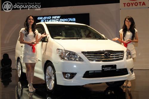 Mobil Toyota Innova Terbaru 2012 rental mobil jogja