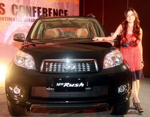 Mobil Toyota Rush New Terbaru 2012 sewa mobil yogyakarta