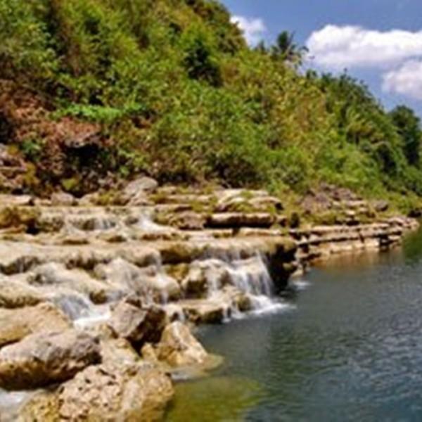 Wisata Air Terjun Jogja Sri gethuk