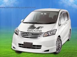 Sewa Mobil Freed Jogja : Rental PSD 2017 Matic Terbaru