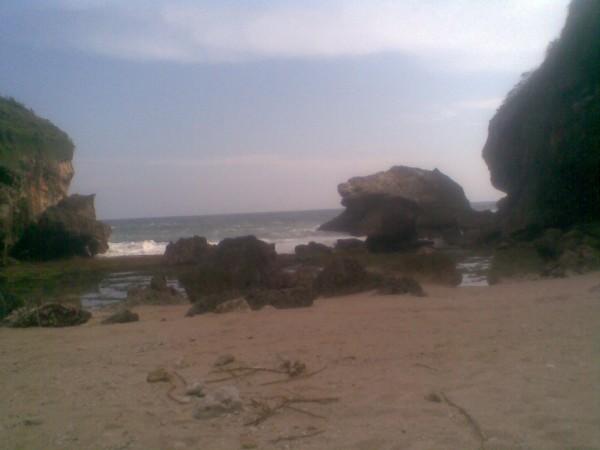 Pantai karang telu