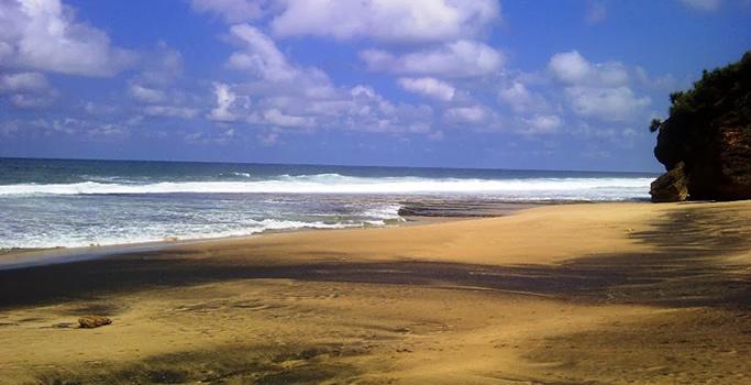 Pantai Sruni Pacitan
