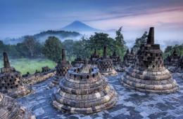 Candi Borobudur Terletak Di Magelang Bercorak Budha dibangun abad ?