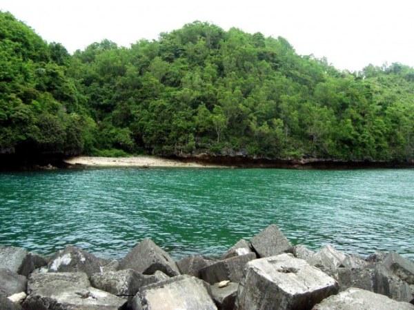 Wisata Pantai Sadeng