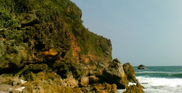 Jalan Menuju Pantai Grigak