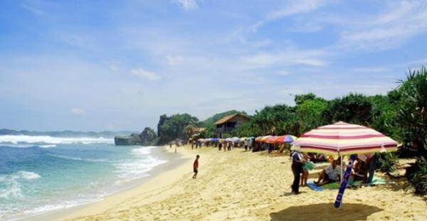 Pantai Indrayanti Wonosari