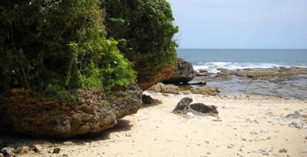 Pantai Ngunggah Gunung Kidul Jogja
