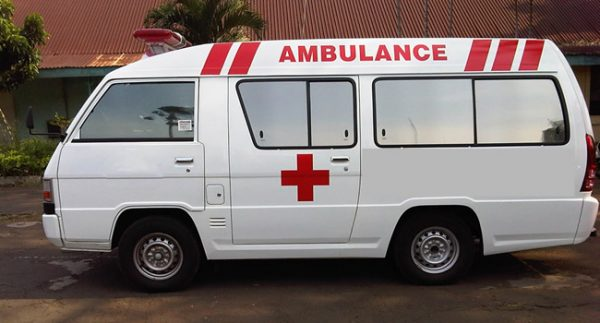 Mobil Ambulance Mitsubishi L300