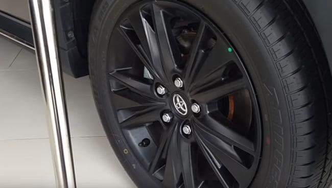 Toyota Venturer 2.0 MT Tyres